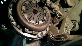 ЛАДА Гранта - Замена сцепления (Тросиковый привод мкпп, нюансы)