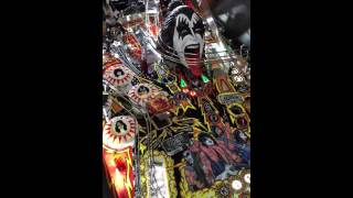 Kiss pinball play