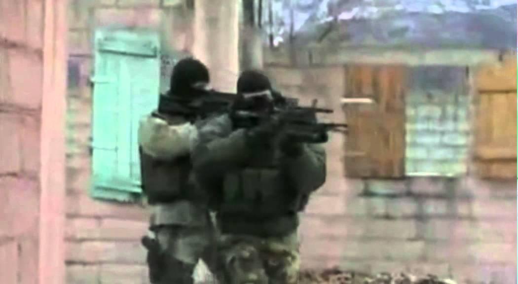 RANGER 4 REGGIMENTO ALPINI PARACADUTISTI VIDEO 2011 - YouTube b373e6c1d3ab