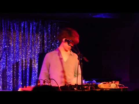 Cosmo Sheldrake (support of Johnny Flynn) - The Fly  - live Atomic Café Munich 2013-11-20