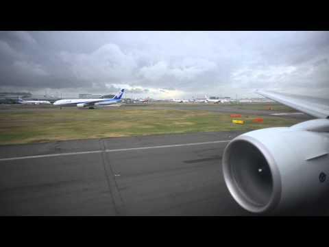 ANA All Nippon Boeing 777-200 JA715A takeoff at Tokyo Haneda