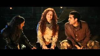Manuela Zanier canta nel film Smile La Morte Ha Un Obiettivo