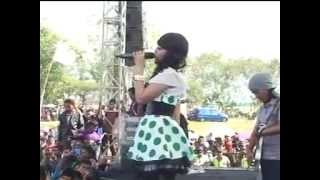 Secawan Madu - Via Vallen OM MONATA LIVE SRIKATON,KAYEN 2013