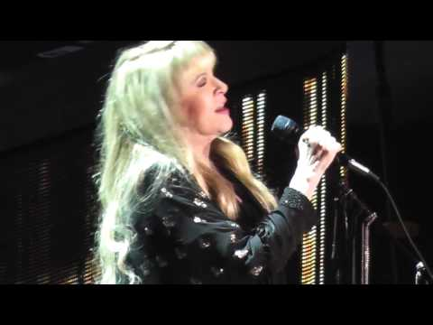 Stevie Nicks Stand Back 2016