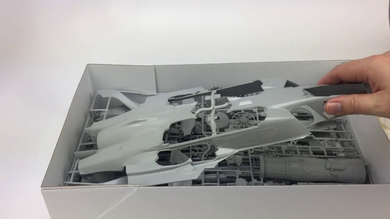 Neu Italeri 1409-1//72 F-35A Lightning II
