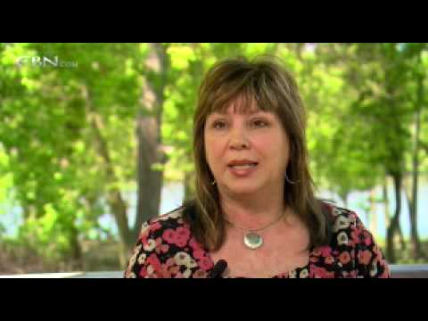 Witness to Her Fathers Murder-700 Club TV Film Ree...