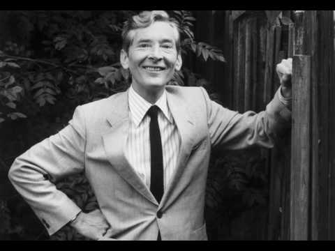 Kenneth Williams on Dame Edith Evans