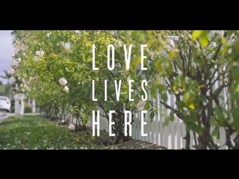Love Lives Here book by Sweet Maria Goff