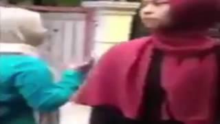 Heboh !! Video istri labrak suami yang Nikah lagi Di Saat Resepsi Pernikahan