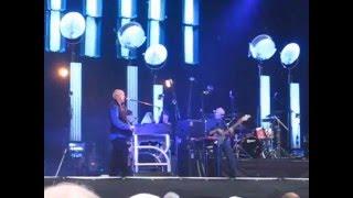 Peter Gabriel live:  Schnappschuss - Ein Familienfoto (Zitadelle Mainz, June 17 2007)