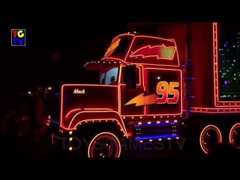 Disney Pixar Cars Lightning McQueen - Paint the Night Parade