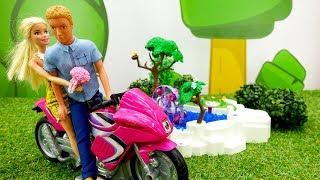 Кен делает Барби сюрприз - Мультики с куклами