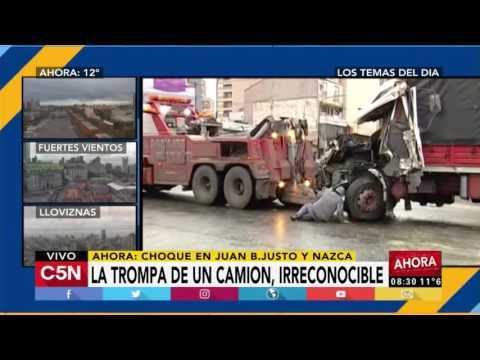 C5N - Tránsito: Remueven los camiones que chocaron en Av. Juan B. Justo y Nazca