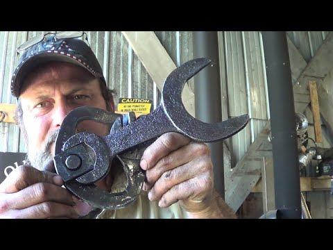 Blacksmithing - Scrap Yard Wrench Boot Jack