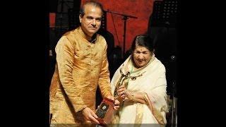Download Yeh Aankhein Dekh Ke - Kamchor - Ravi Flute MP3 song and Music Video