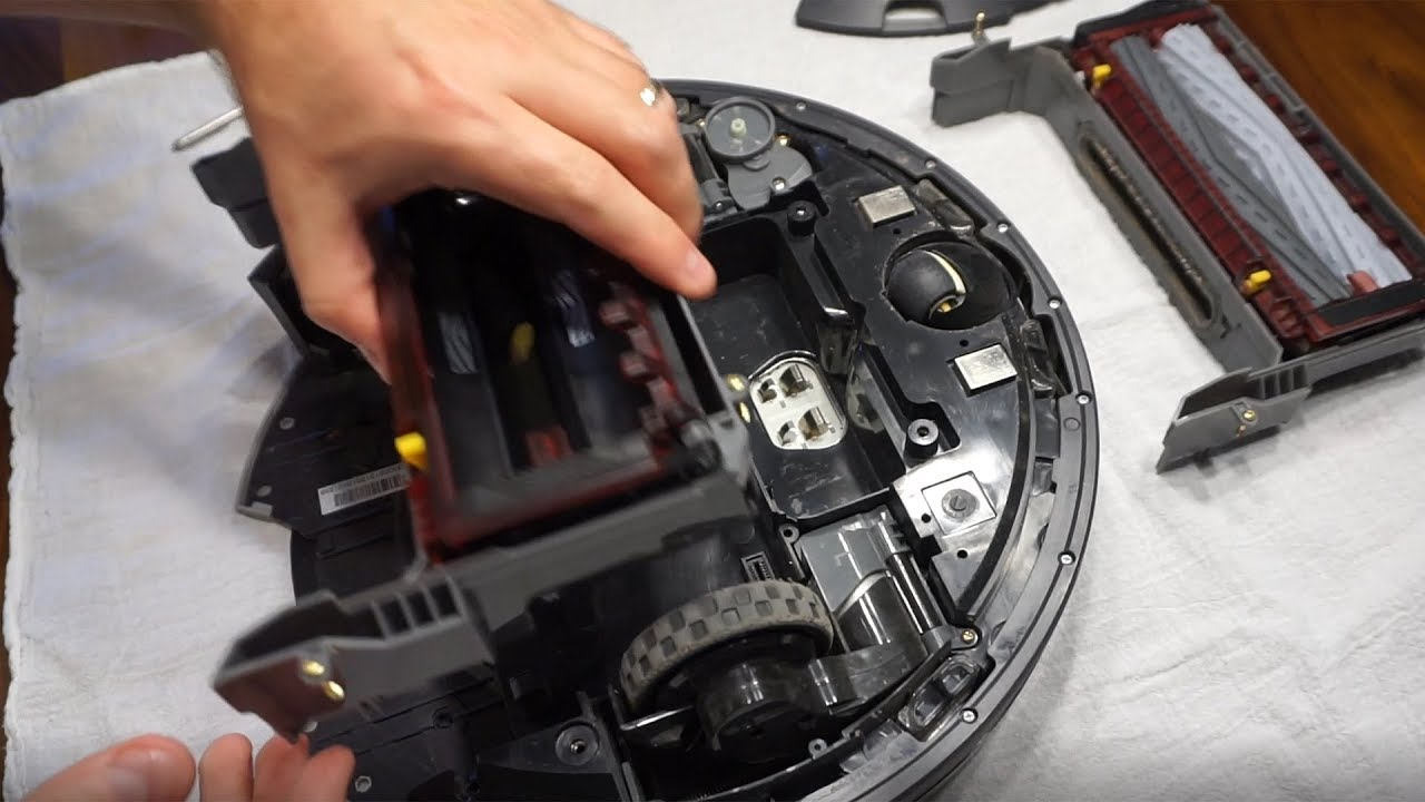 How To Replace Roomba Cleaning Head Module Youtube