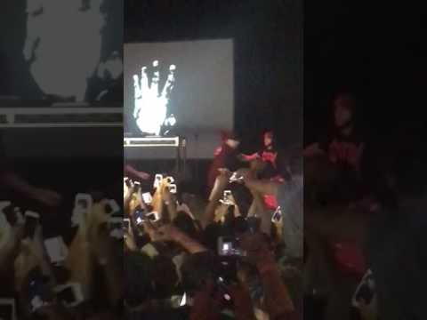 XXXTENTACION attacked on stage in San Diego