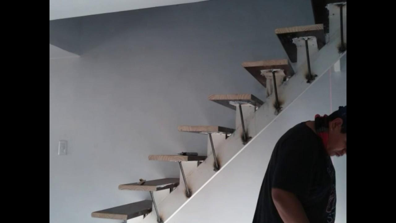 Revestir una escalera con durlock emplacar youtube for El de debajo de la escalera vino