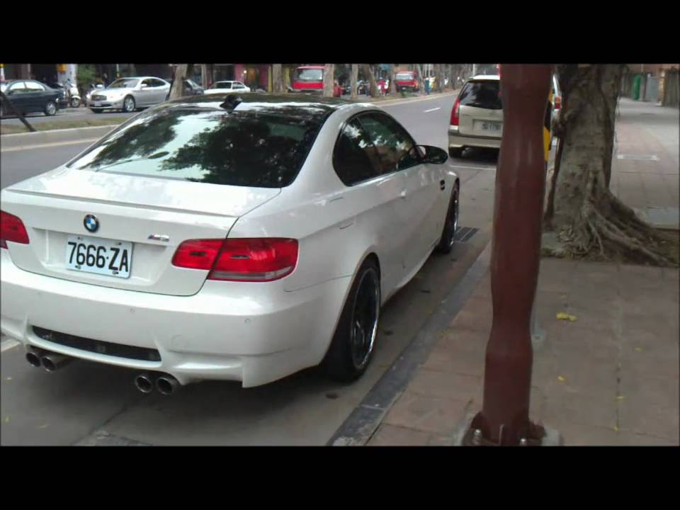 White BMW M3 E92 Coupe Acceleration In Taiwan HD