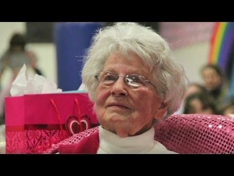 America's oldest teacher turns 99