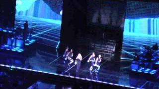 """Give it 2 me"" MADONNA LIVE LONDON (The O2 ) 04-07-2009"