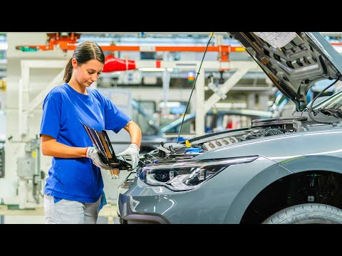 Volkswagen Golf 8 Assembly Line: VW Golf 8 Factory in Germany
