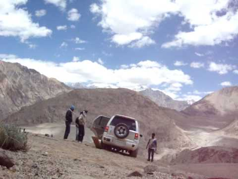 stuck at 15000 ft on the way to pang kong lake - YouTube