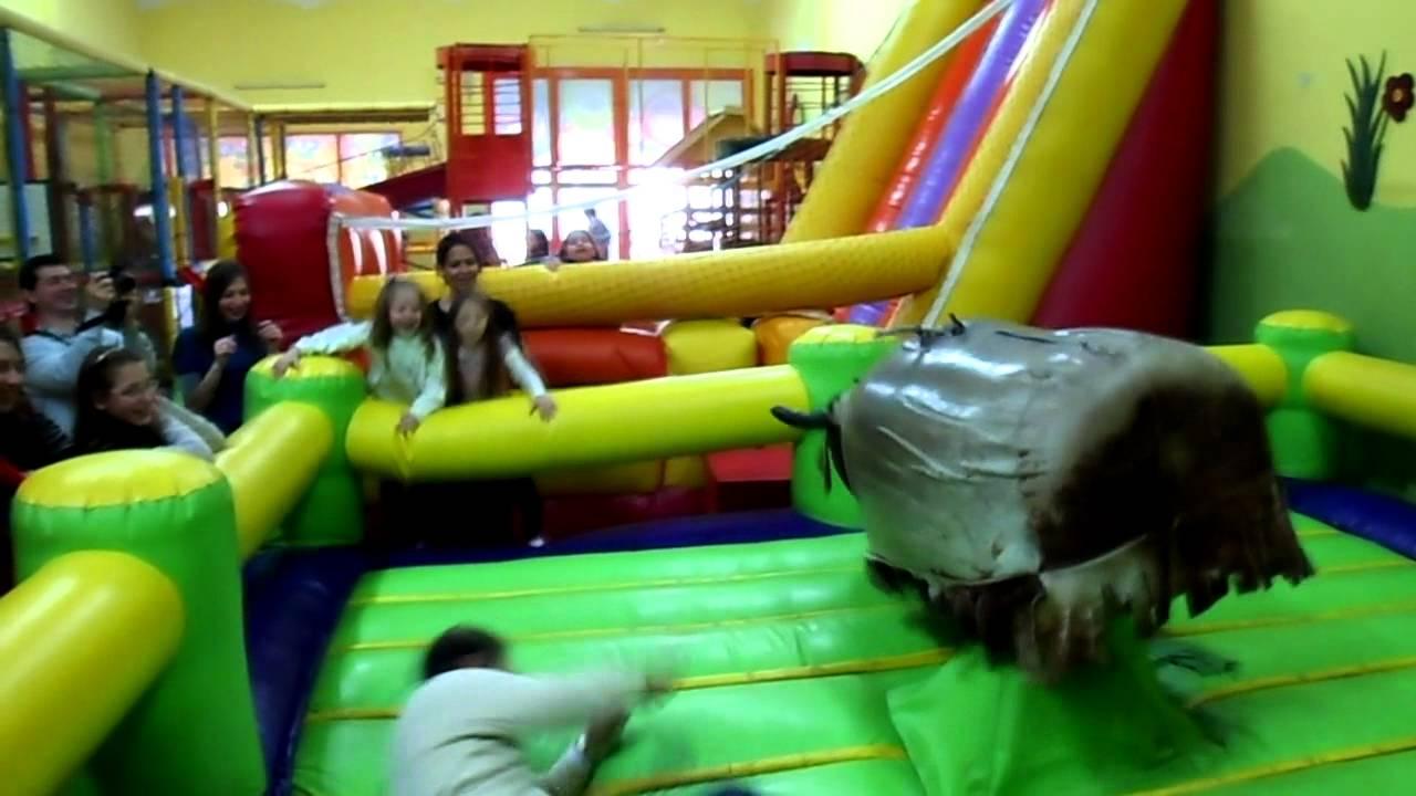 Coco zize salon de fiestas infantiles en alta cordoba for Abrakadabra salon de fiestas
