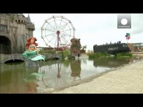 Ticket misery for Banksy fans as theme park opens