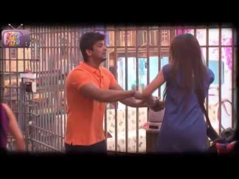 Kushal KISSES Gauhar in Bigg Boss 7 9th October Day 24 FULL EPISODE Travel Video