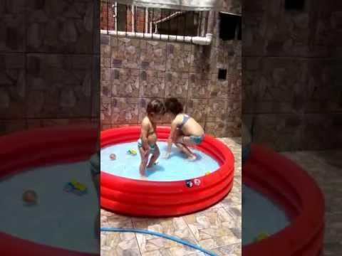 """Bebês dançando bum bum granada""""Davi e Marcela"""" thumbnail"""