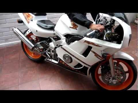 Honda CBR 400R Castec Gull Arm 1991 Sound