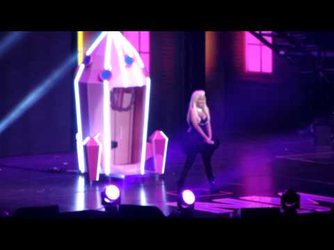 NICKI MINAJ LIVE INTRO Come On A Cone Roman Reloaded @ LG ARENA BIRMINGHAM