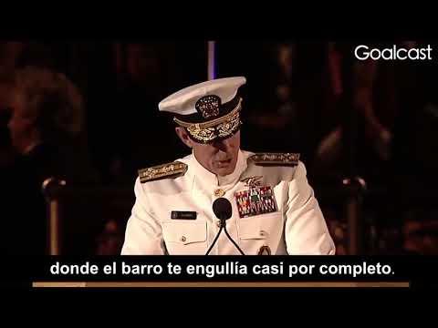 """""""Si Quieres Cambiar El Mundo, Comienza Por Tender Tu Cama""""- Adm. McRaven"""