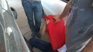 Polisi Görünce Bir Poşet Hapı Yuttu