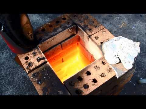Steel melt in Home Brick furnace.