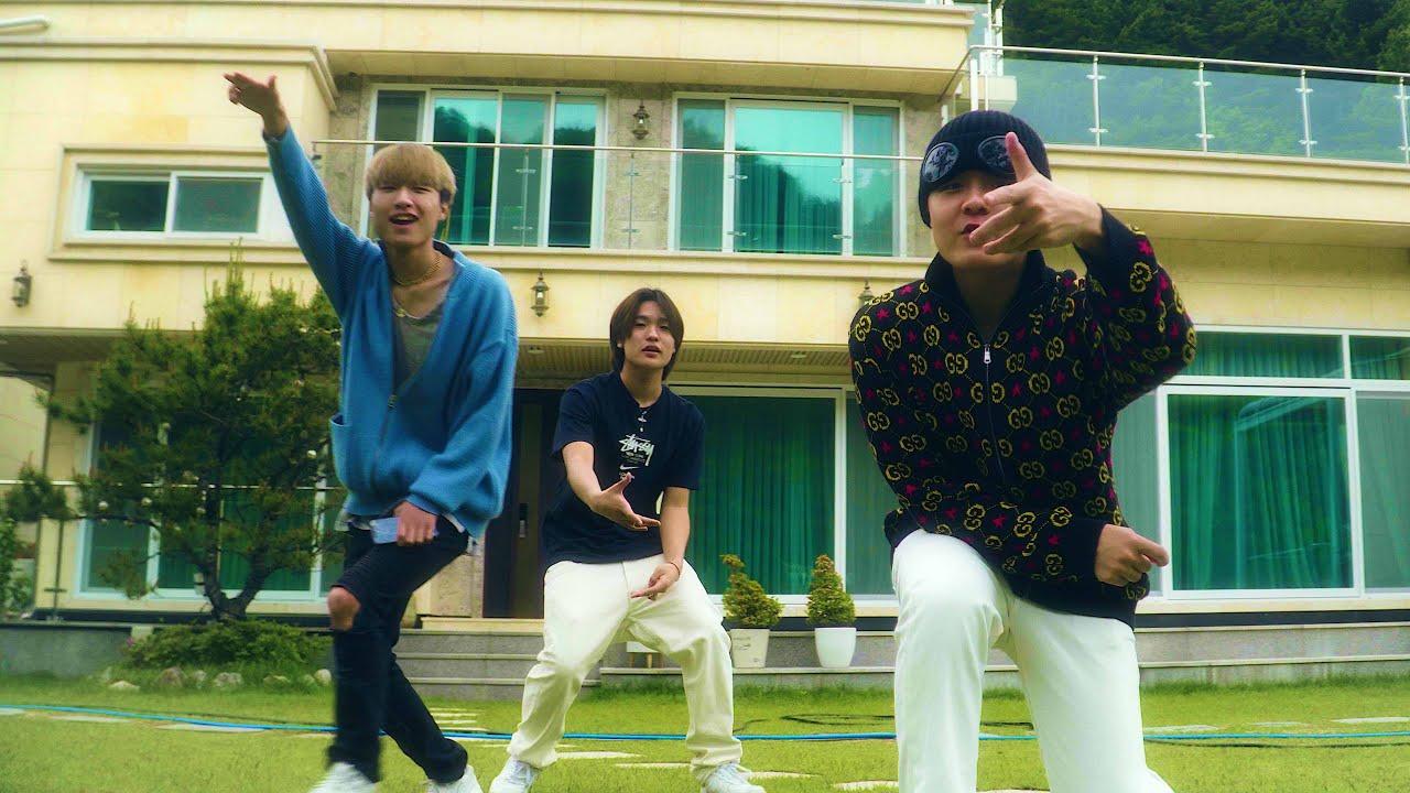 Download LIVRSIDE - 놀러 M/V (TRADE L, JAEHA, LEEYOUNGWOONG, JUTO)