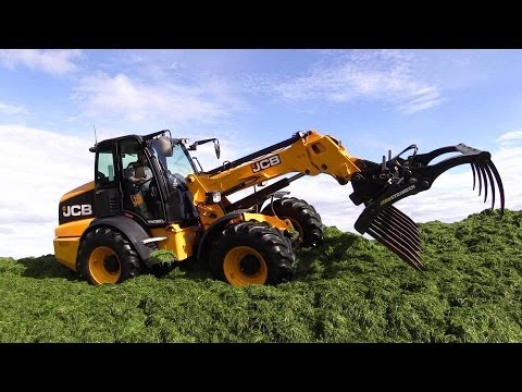 Græsland 14: JCB TM320S Agri And New Holland T7 270 Working @ The Silage Pile