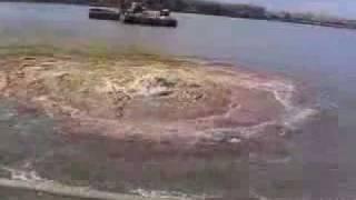 Подводный глубинный взрыв