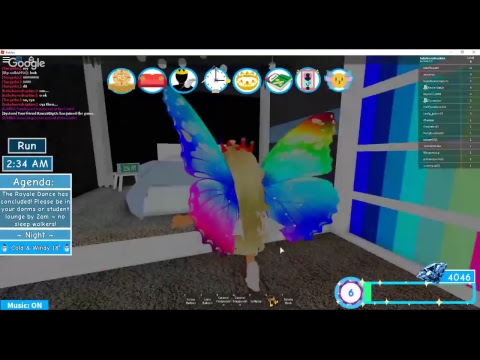 MY CRUSH NOW LIKES SOMEONE ELSE AND ASKS SOME GIRL TO PROM! Royal High School-Roblox