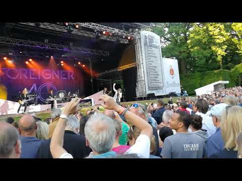 Waiting for a girl like you Foreigner live Hamburg