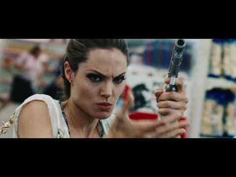 Angelina Jolie in Wanted 2008 | dangerous woman (movie scene 1|9)