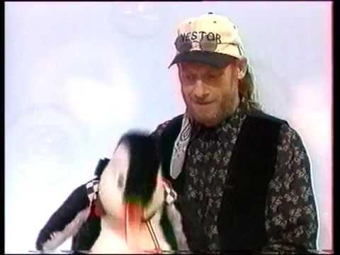 Nestor le Pingouin et David Michel ventriloque à la Grande Famille Canal +.