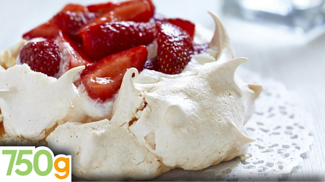 recette de pavlova aux fraises 750g youtube. Black Bedroom Furniture Sets. Home Design Ideas