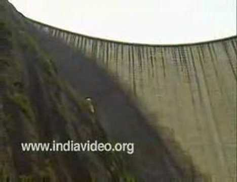 Cheruthoni dam -  An ideal picnic spot