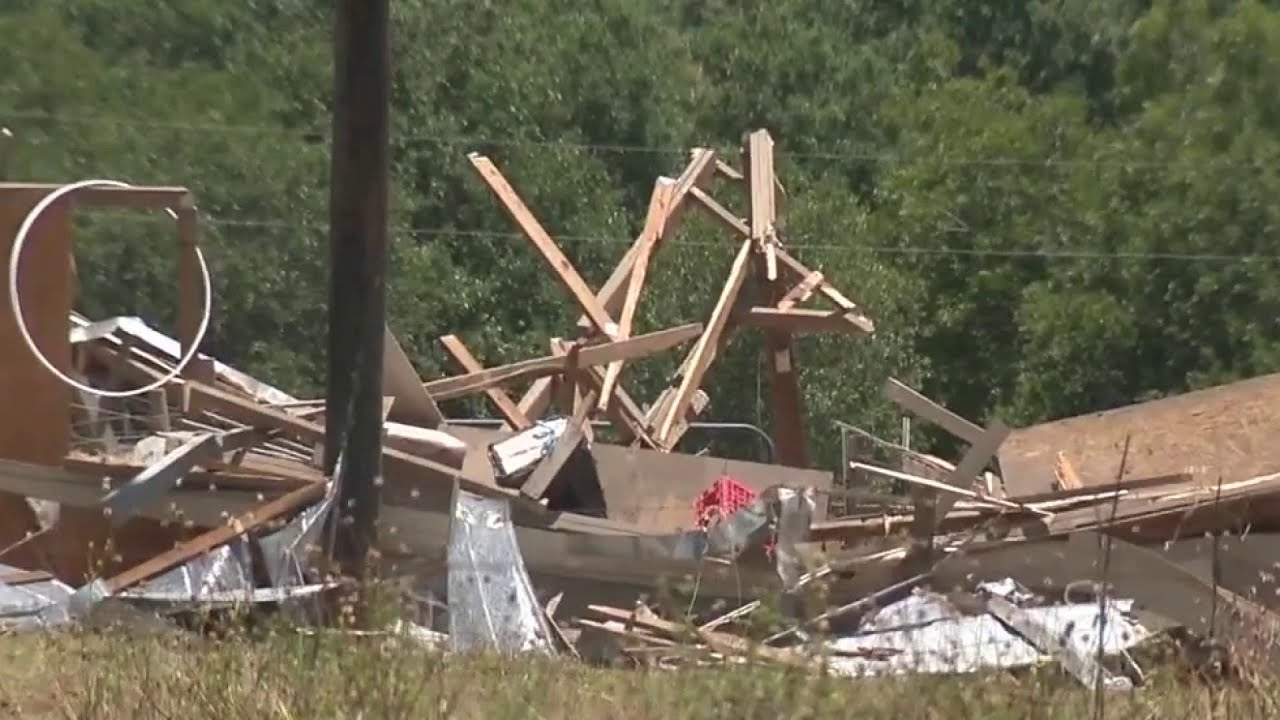 Storm damage from Hurricane Hanna in Wilson County