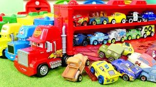 カーズ ディズニー ミニミニカーズのみんなを 大きなマック トランスポーターが迎えにきたよ Disney Cars Put everyone away in the Big Mac