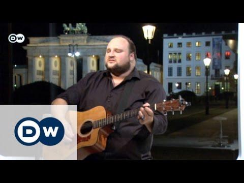 Alex Diehl singt