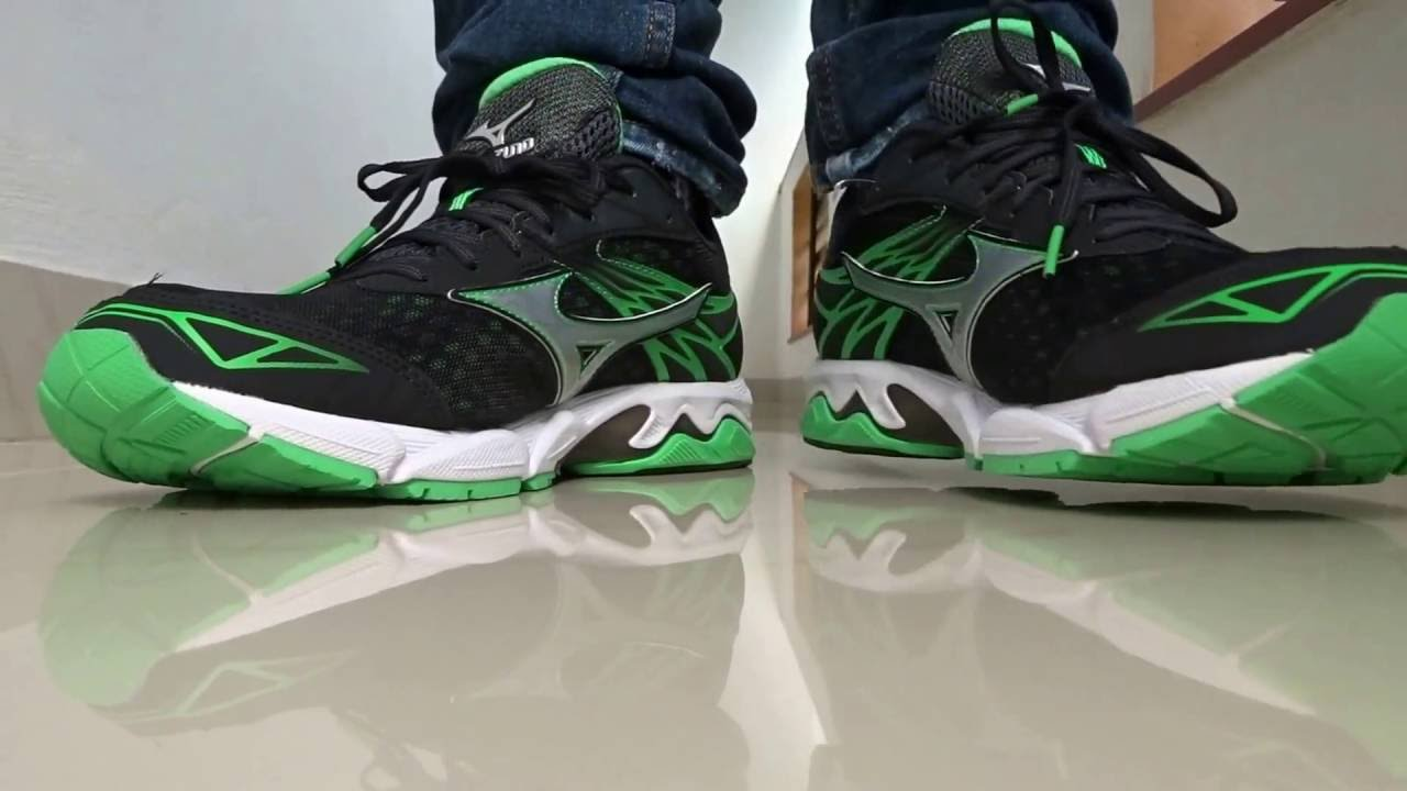 mizuno green shoes