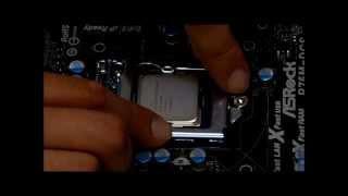 Как правильно установить процессор Intel на материнскую плату Socket 1155.